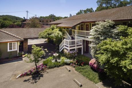 The Jack London Lodge  - Exterior